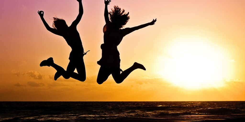 Гарячі можливості для молоді: гранти, стажування, стипендії