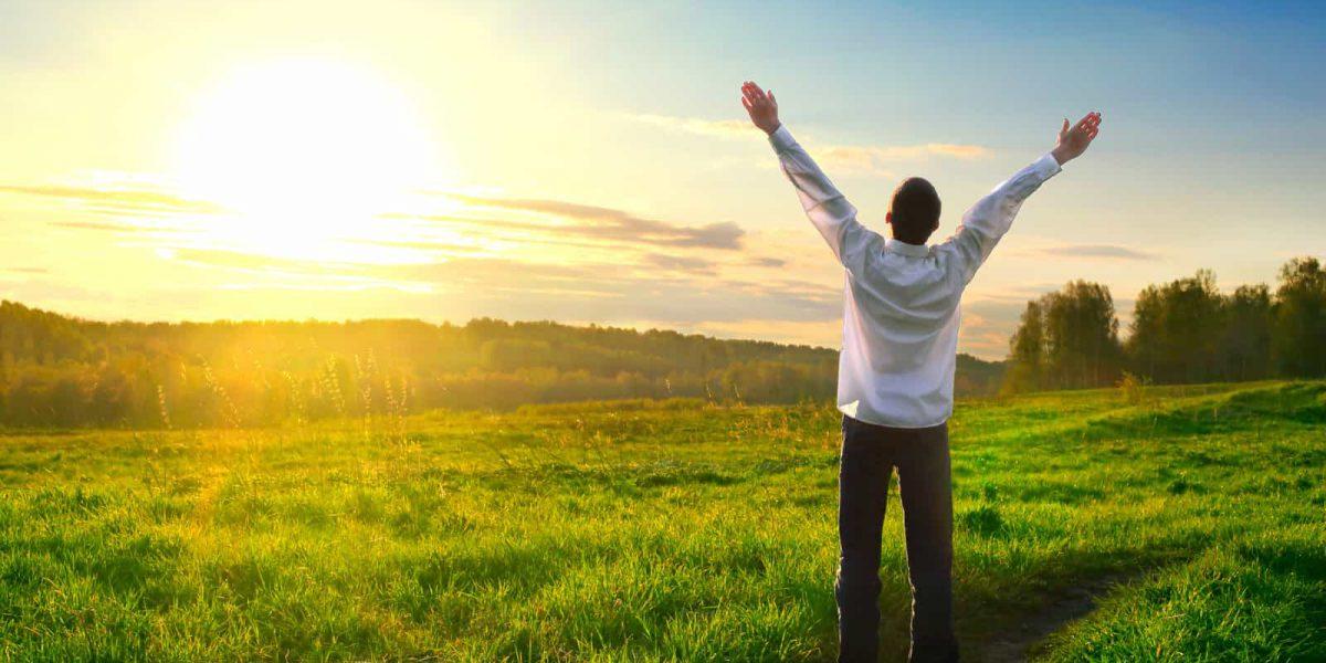 Єльський університет відкрив безкоштовний доступ до популярного курсу про щастя