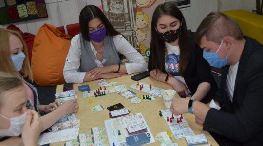 """Інструменти соціальної згуртованості під час карантину: гра """"Світ громад"""""""